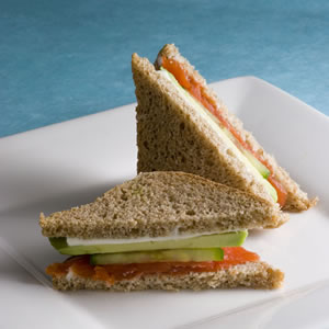 Sandwich light de palta y pepino