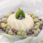 Postre de crema y uvas
