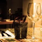 Aprendiendo a distribuir a los invitados en la cena